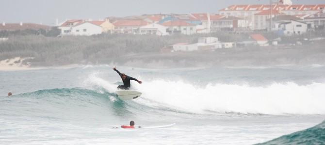 Wellenreiten in Portugal – Ein Surftrip ans Ende Europas